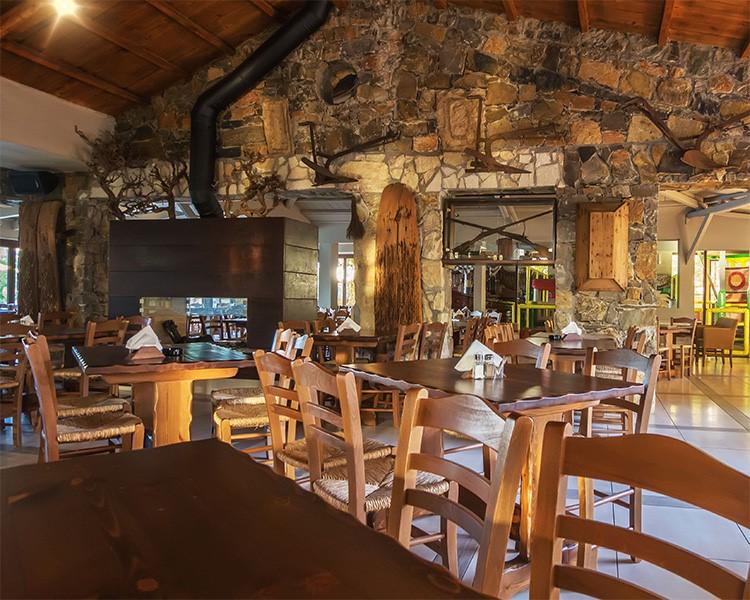 Petousis Restaurant - Crops Suites Heraklion