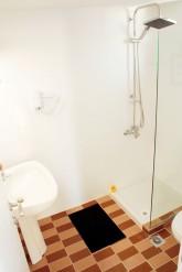26_shower_0837