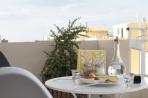 30_meze_at_balcony_0625